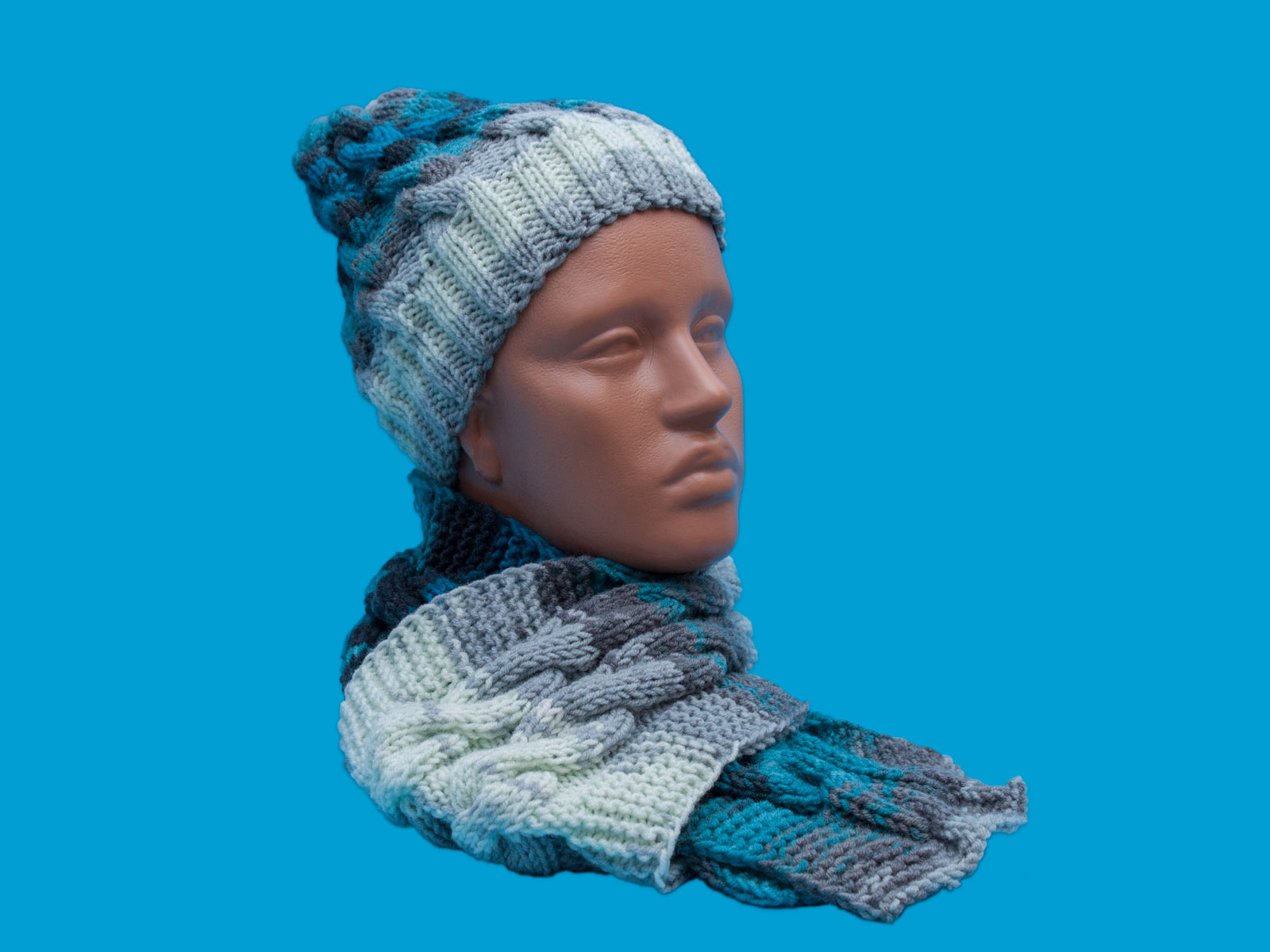 Hand-knit hat, Blue